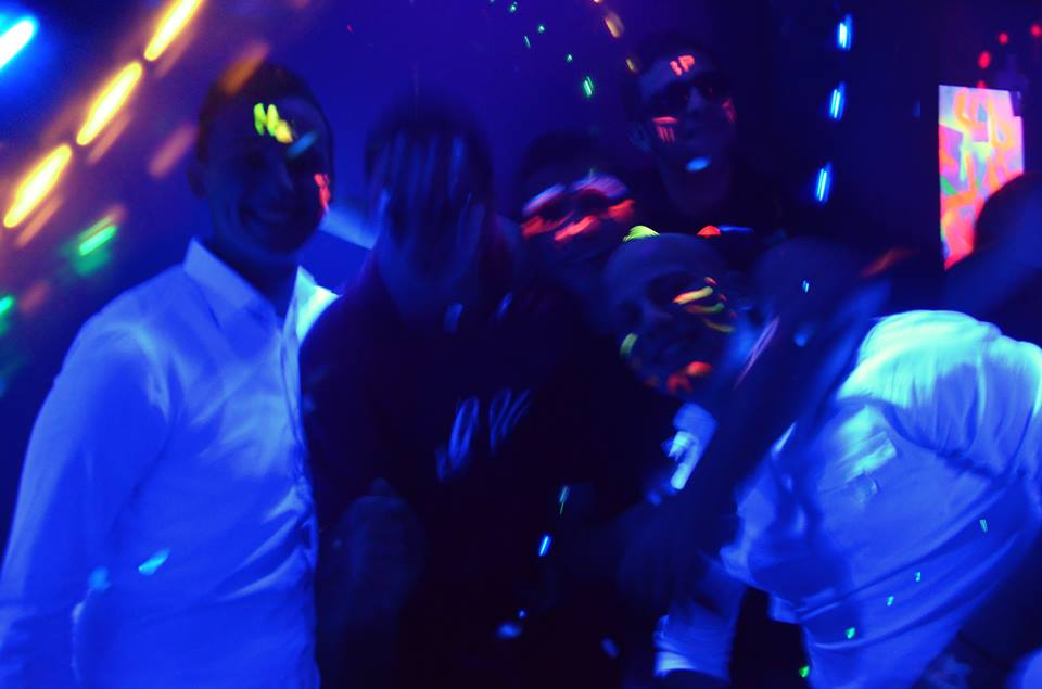 Neon-party3