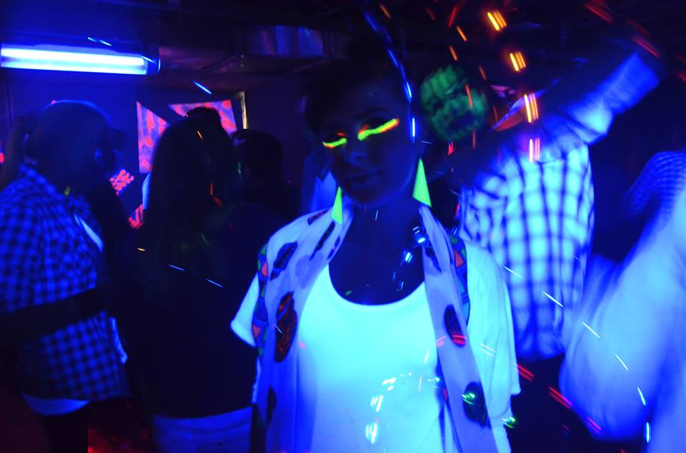 Neon-party4