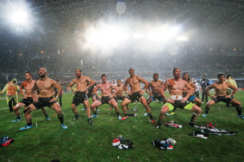 shirtless_rugby_men-2