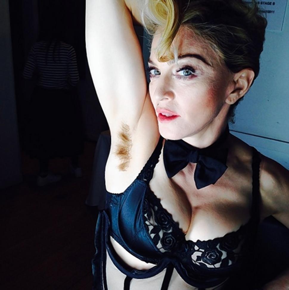 Madonna je nedavno na svom Instagram profilu objavila fotografiju sa neobrijanim potpazuhom