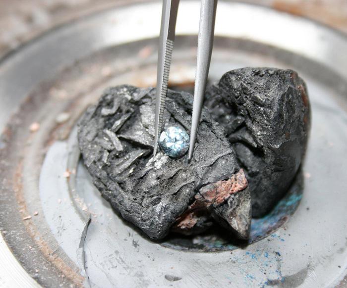 memorial-diamond-cremation-ashes-algordanza-7