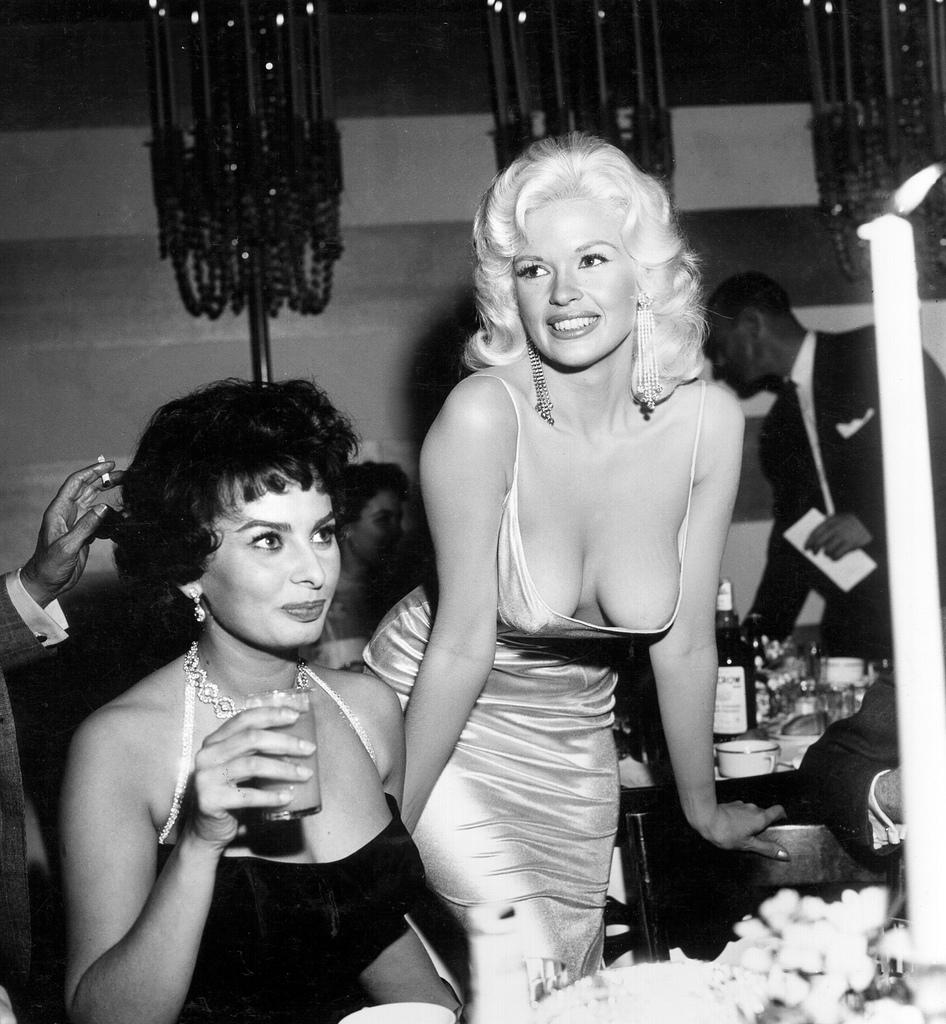 Photo of Jayne Mansfield & Sophia Loren