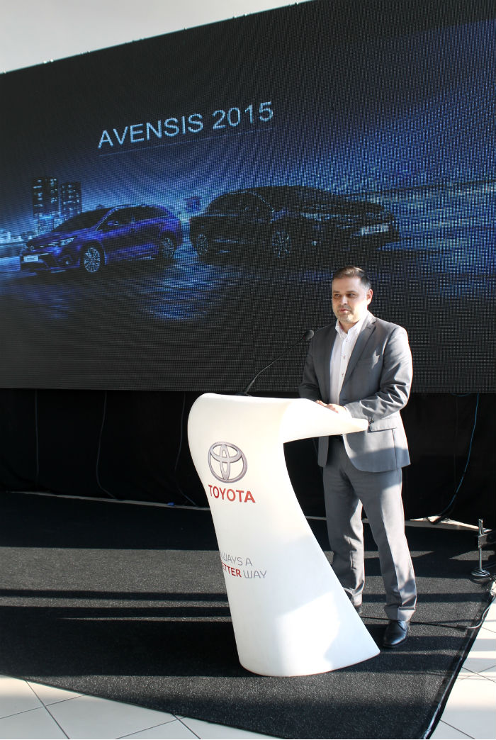 Toyota Avensis (4)