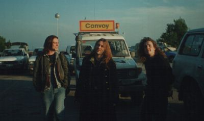 Alex Dickson, Bruce Dickinson i Chris Dale na aerodromu u Splitu
