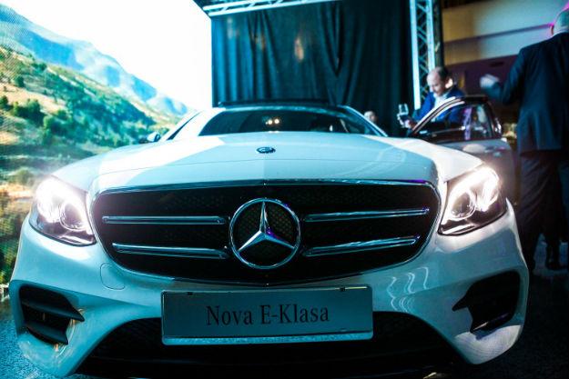 Mercedes-Benz E-Klasa (6)