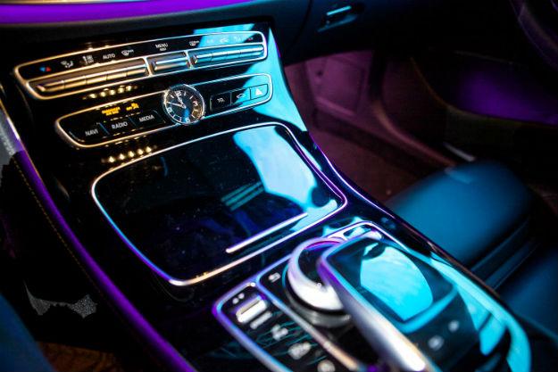 Mercedes-Benz E-Klasa (9)