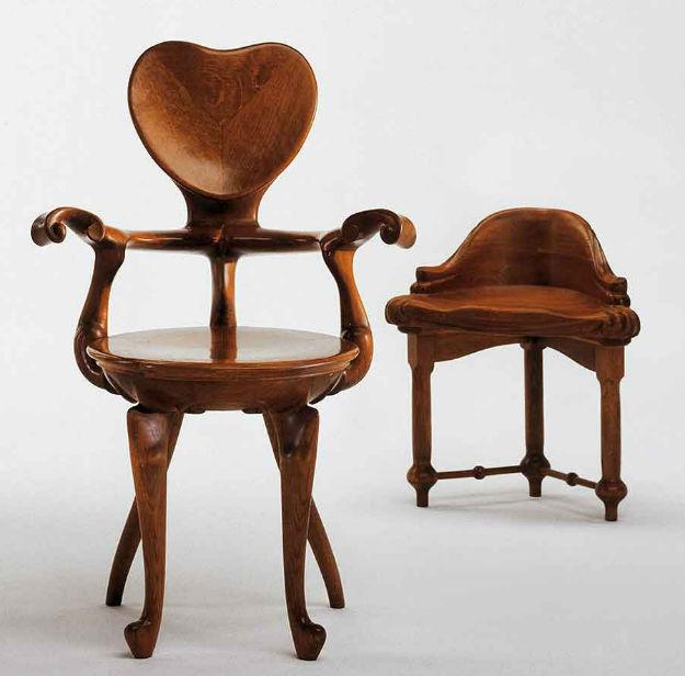 Stolica Calvet Godina_1900-1901. Materijal_hrast Originalna lokacija_soba za sastanke u kući Calvet Dimenzije_95x52