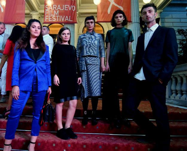 modne dizajnerice Yllka Brada, Berna Saraci, DJ Oda Haliti, model Sihana Shalaj, i reditelj Yll Citaku