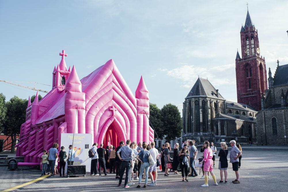 The Pink Church by Waardengedreven_photo Ginger Bloemen_1