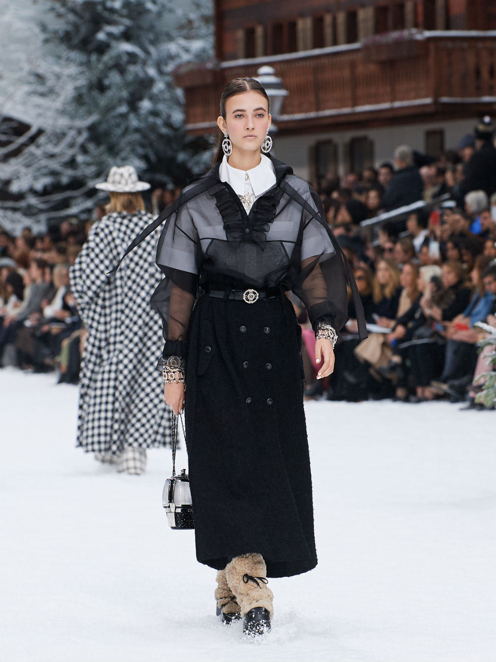 FALL-WINTER 201920 READY-TO-WEAR COLLECTION (10)
