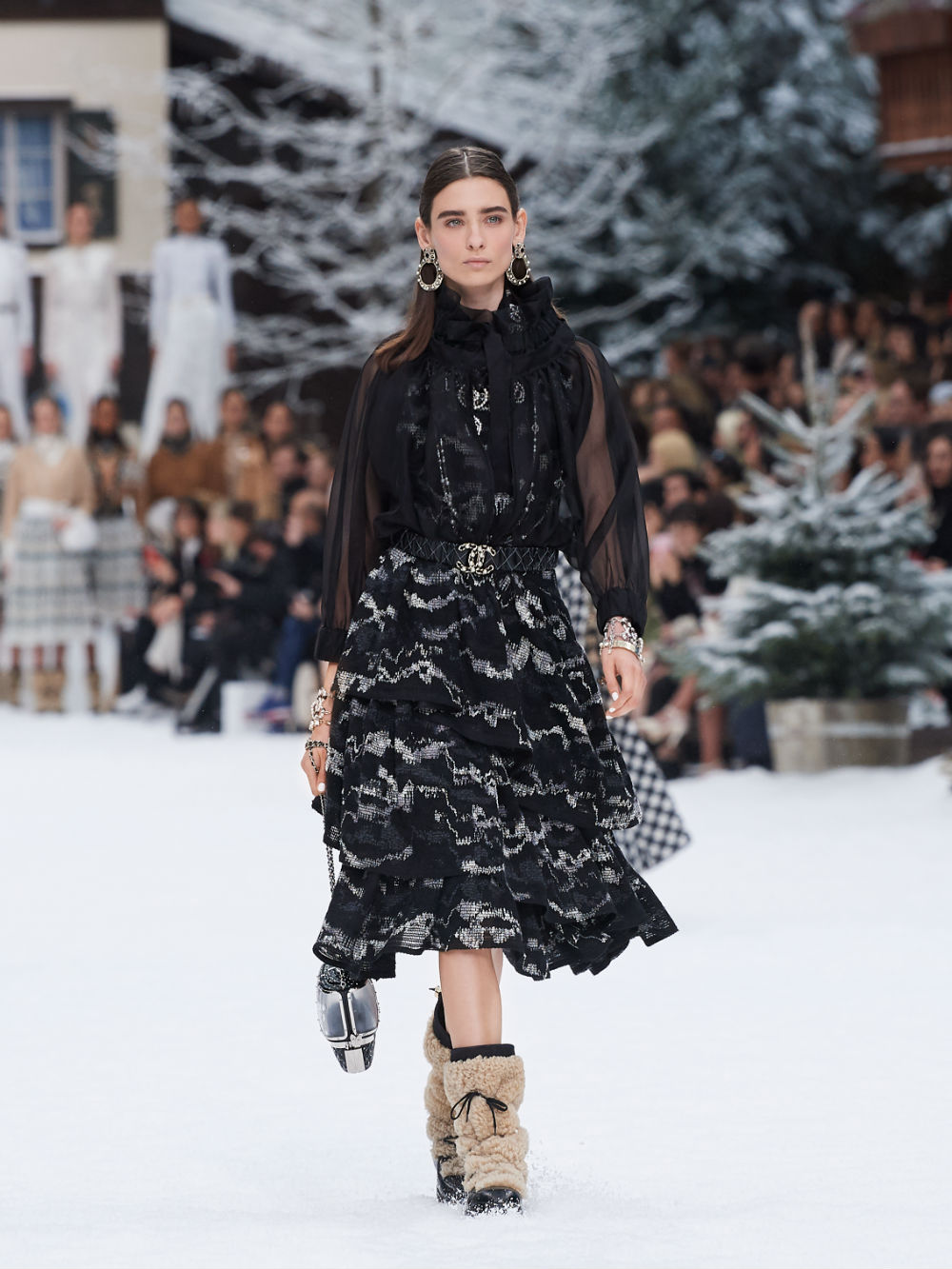 FALL-WINTER 201920 READY-TO-WEAR COLLECTION (11)
