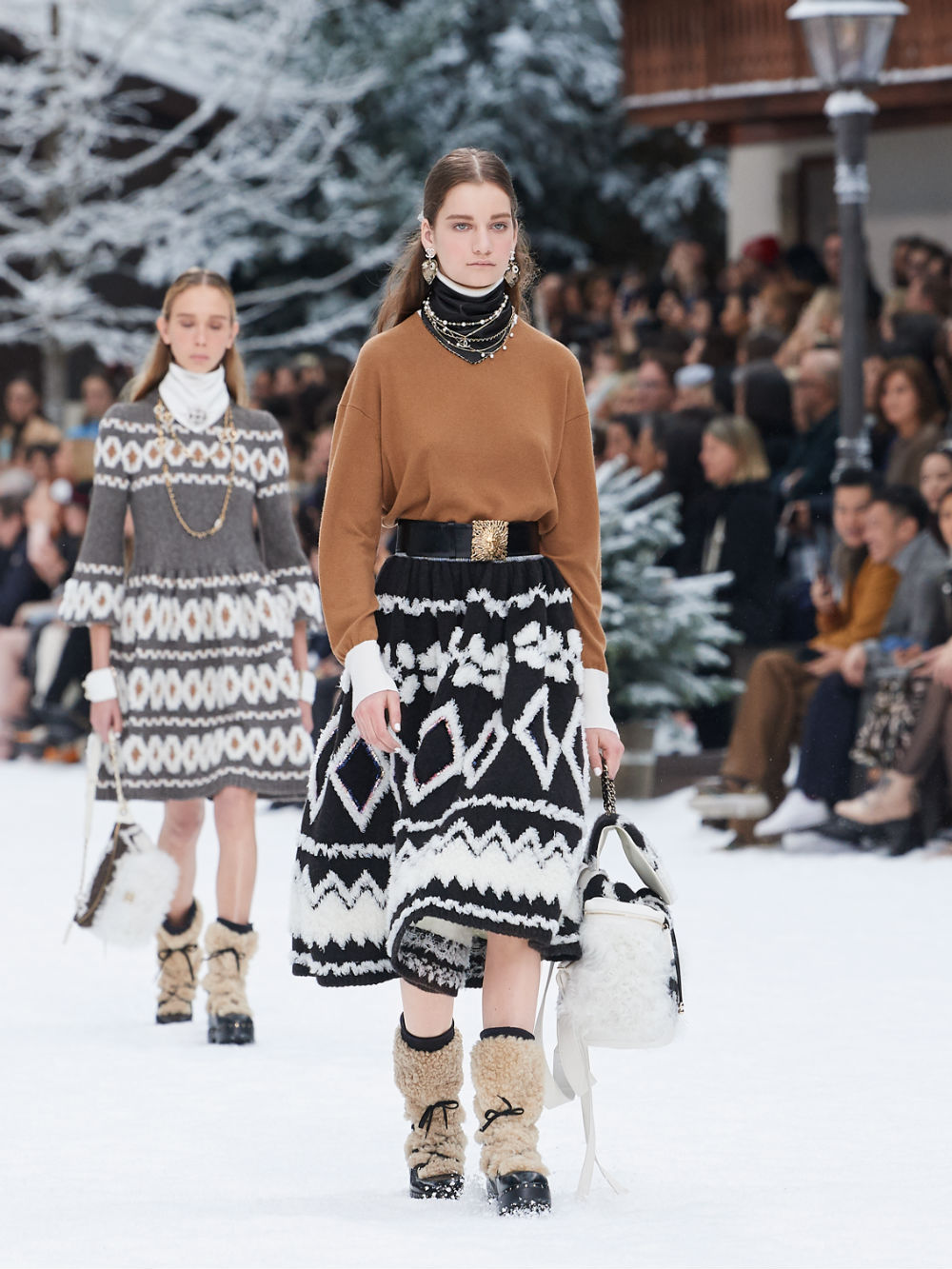 FALL-WINTER 201920 READY-TO-WEAR COLLECTION (19)
