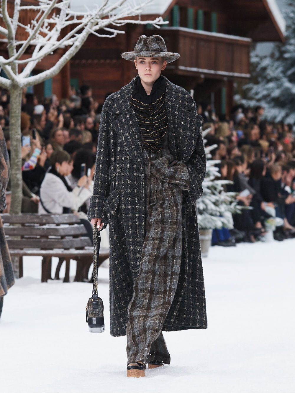 FALL-WINTER 201920 READY-TO-WEAR COLLECTION (2)