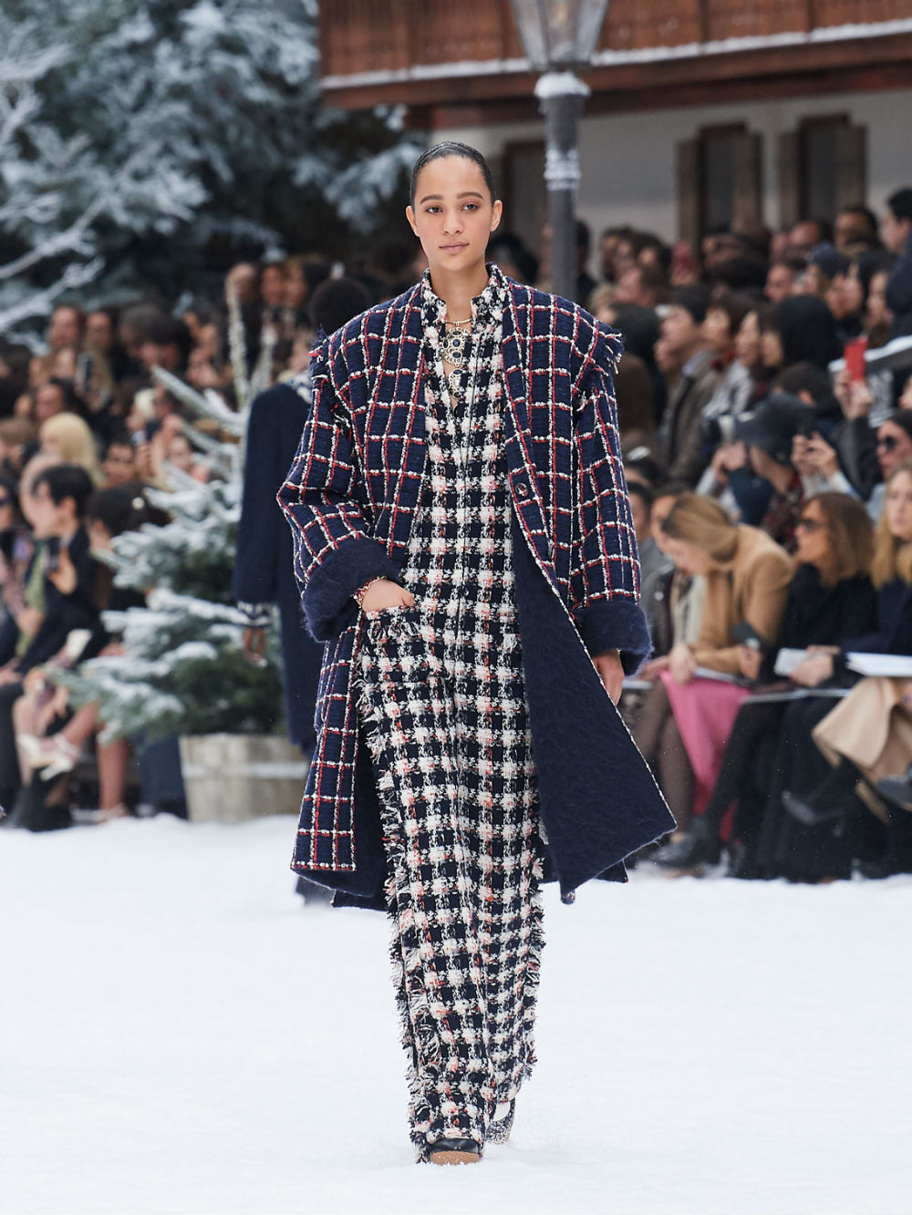 FALL-WINTER 201920 READY-TO-WEAR COLLECTION (24)