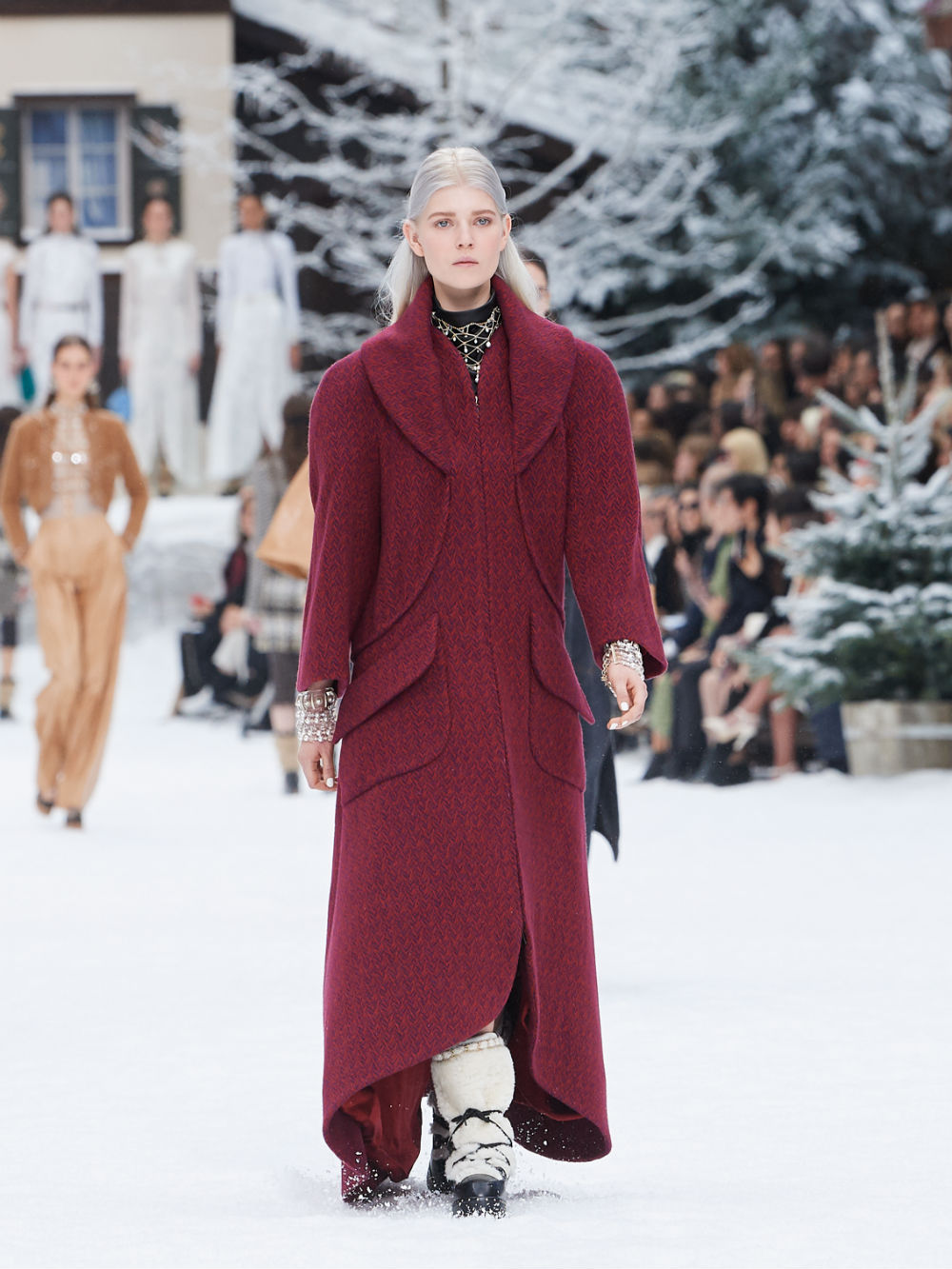 FALL-WINTER 201920 READY-TO-WEAR COLLECTION (27)