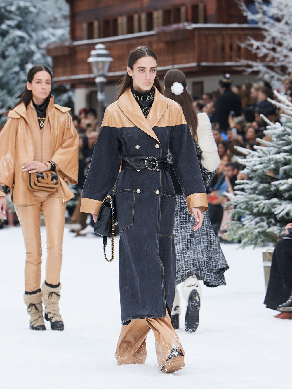 FALL-WINTER 201920 READY-TO-WEAR COLLECTION (28)
