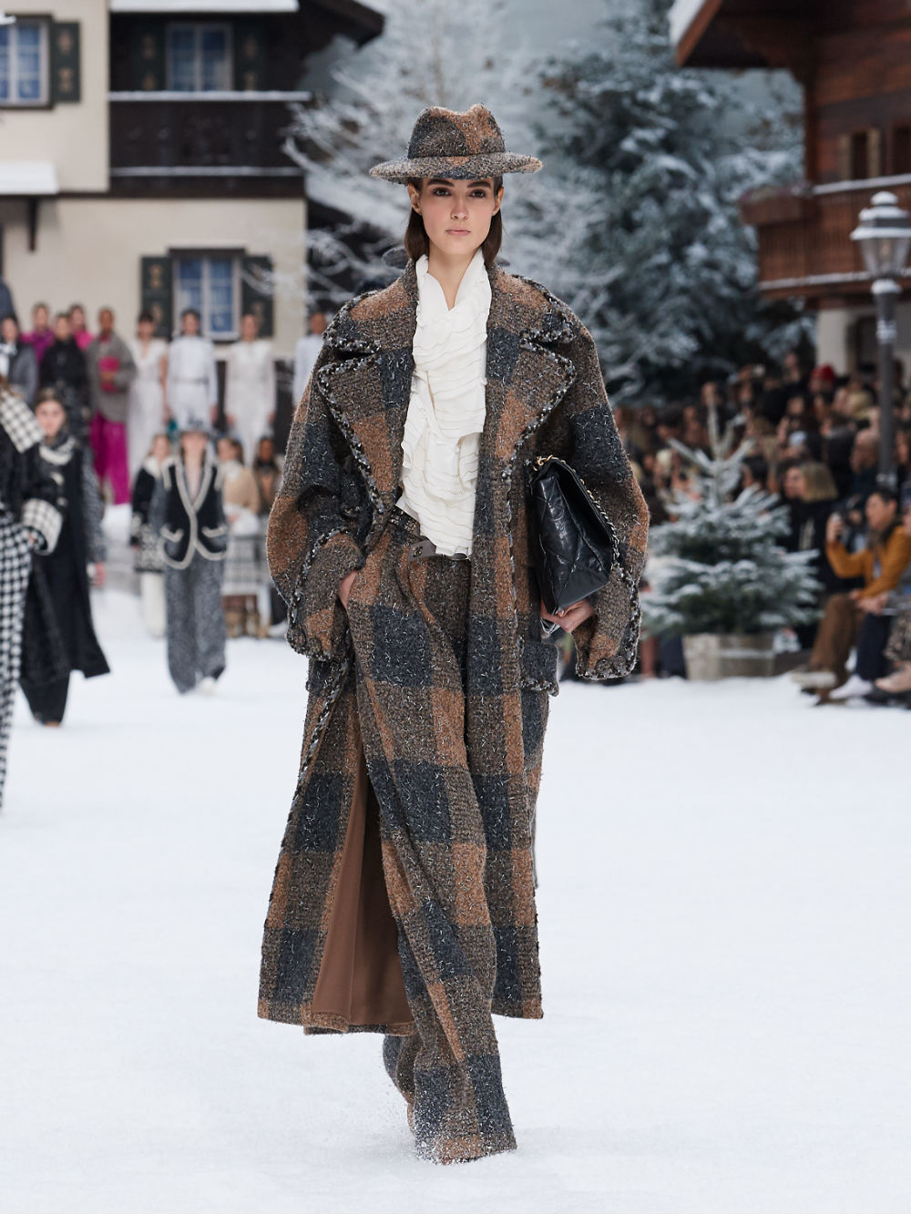 FALL-WINTER 201920 READY-TO-WEAR COLLECTION (3)