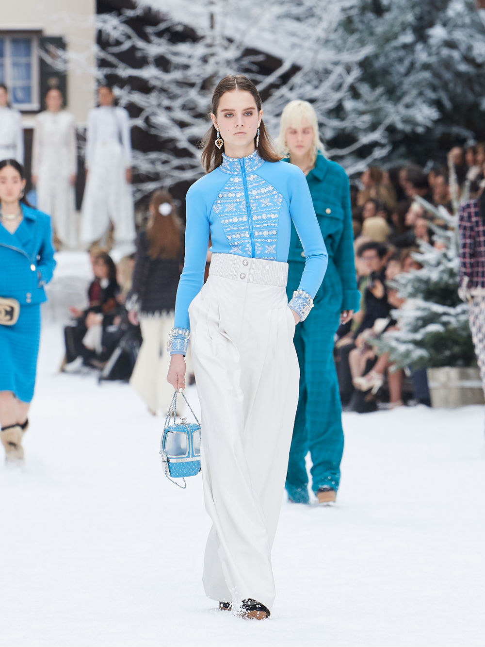 FALL-WINTER 201920 READY-TO-WEAR COLLECTION (32)