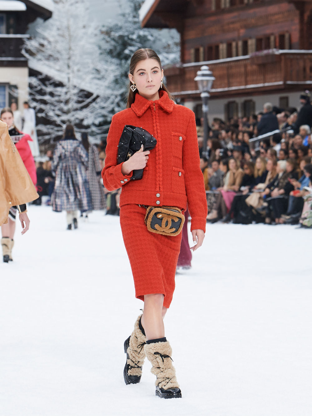 FALL-WINTER 201920 READY-TO-WEAR COLLECTION (34)