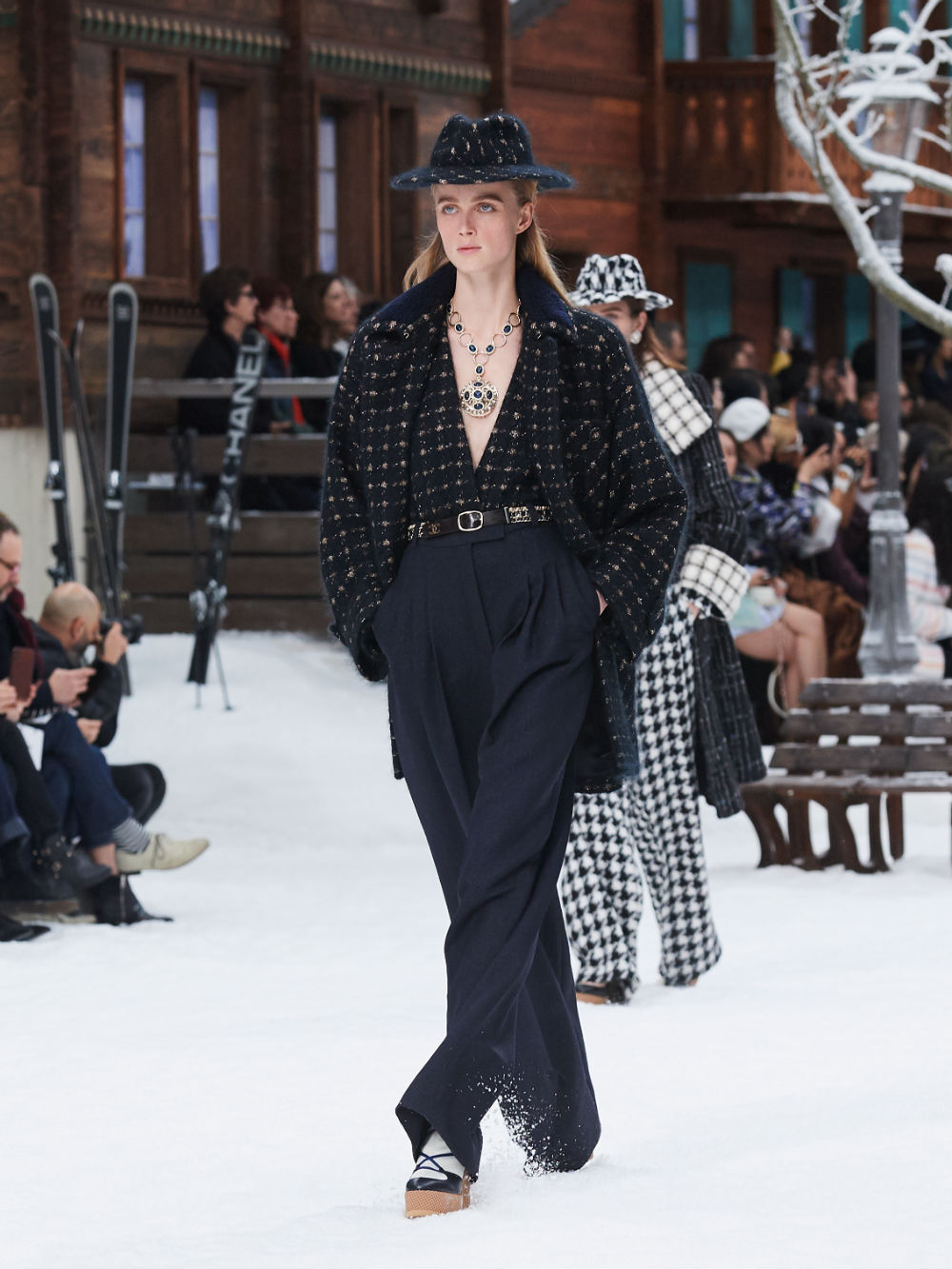 FALL-WINTER 201920 READY-TO-WEAR COLLECTION (4)