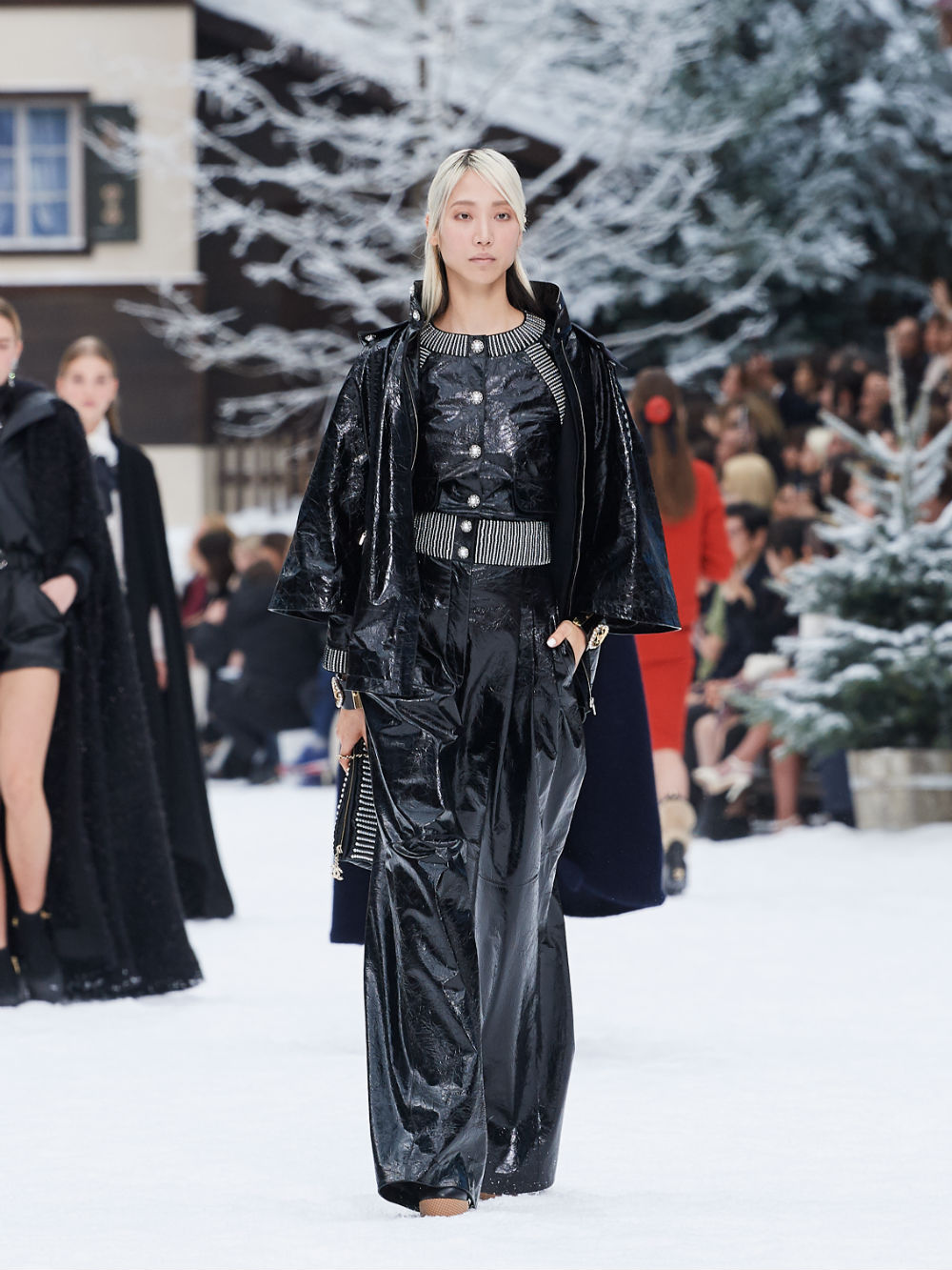 FALL-WINTER 201920 READY-TO-WEAR COLLECTION (41)
