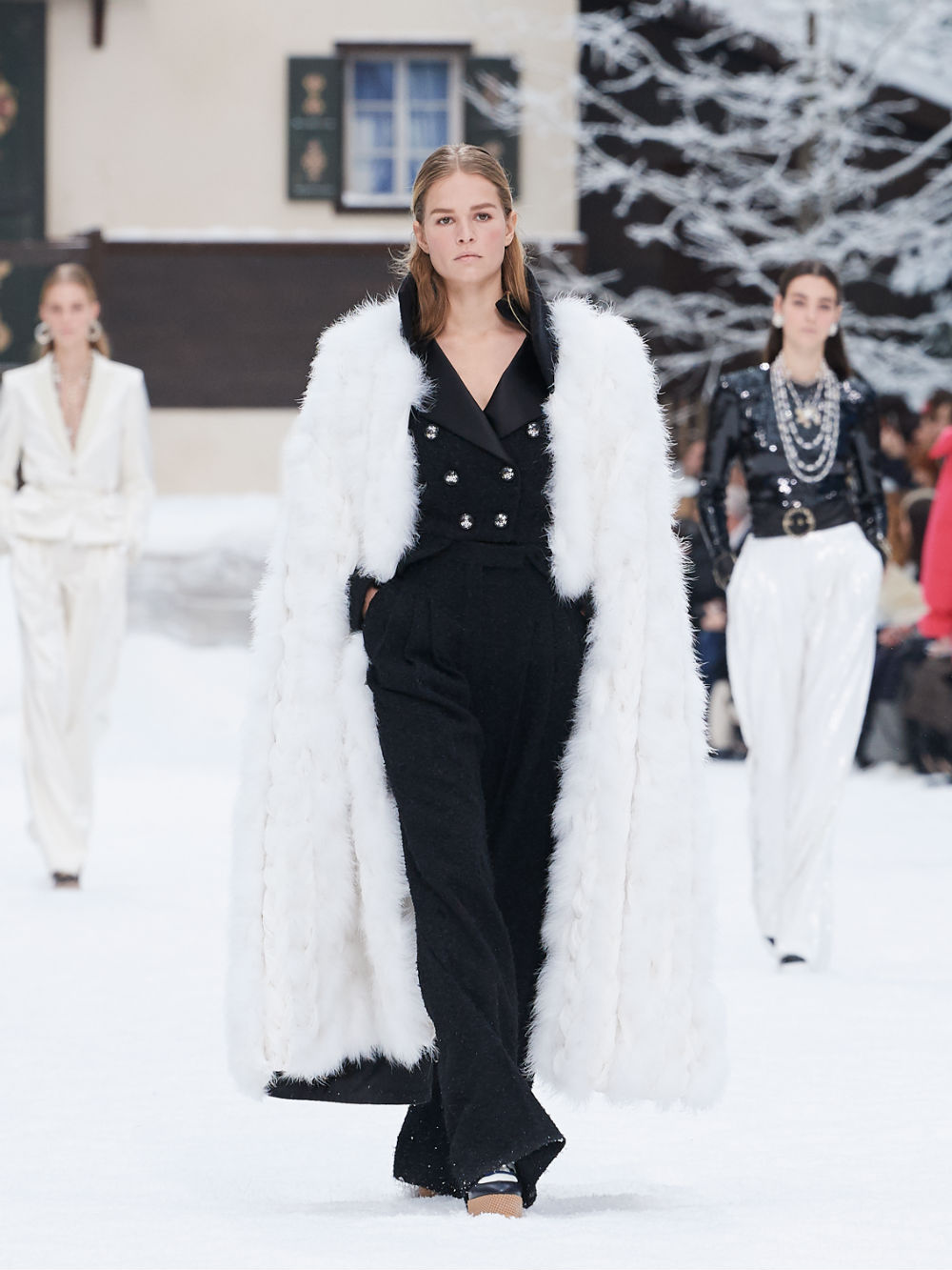 FALL-WINTER 201920 READY-TO-WEAR COLLECTION (44)