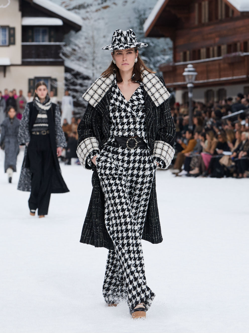 FALL-WINTER 201920 READY-TO-WEAR COLLECTION (5)