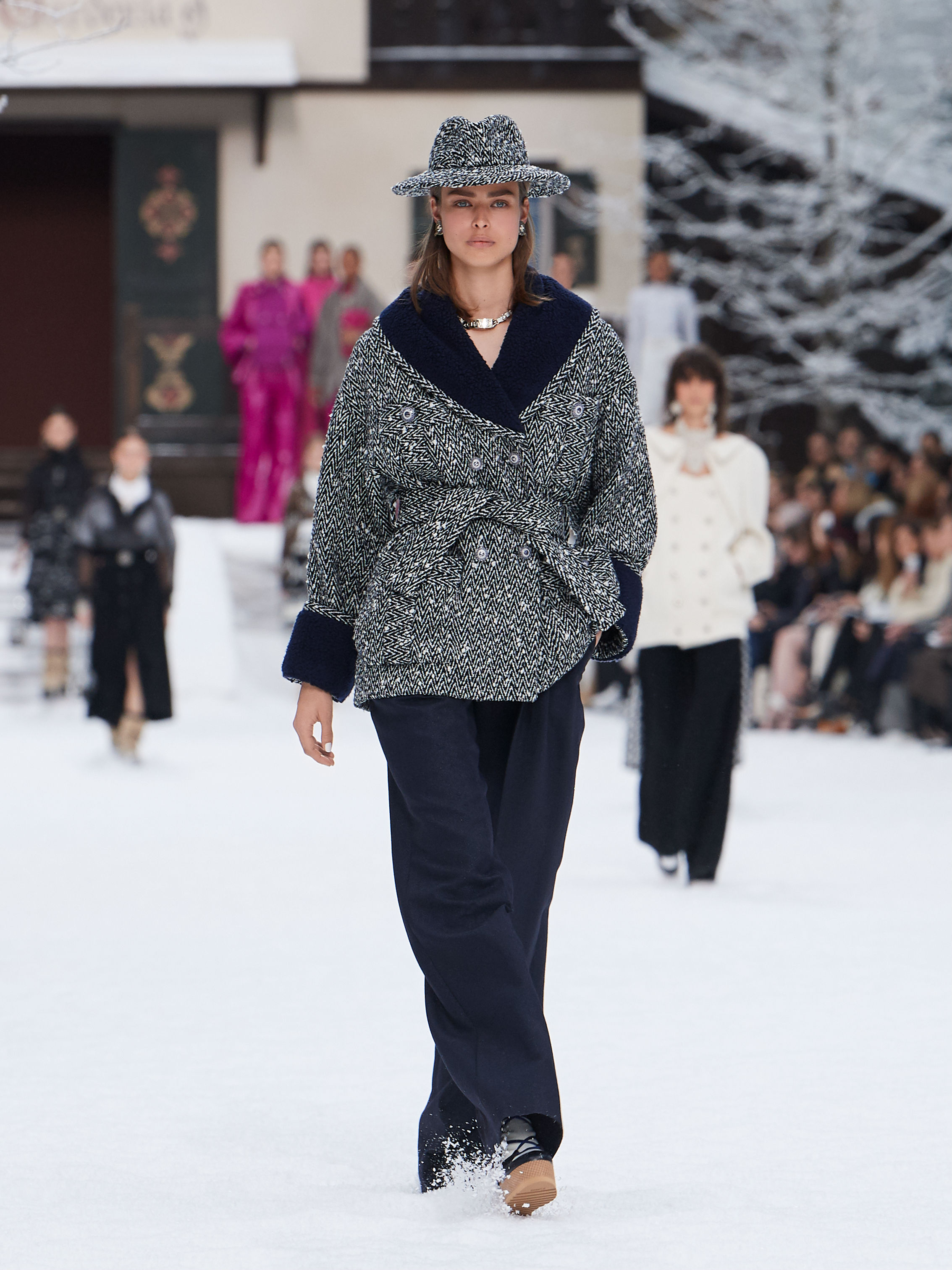 FALL-WINTER 201920 READY-TO-WEAR COLLECTION (6)
