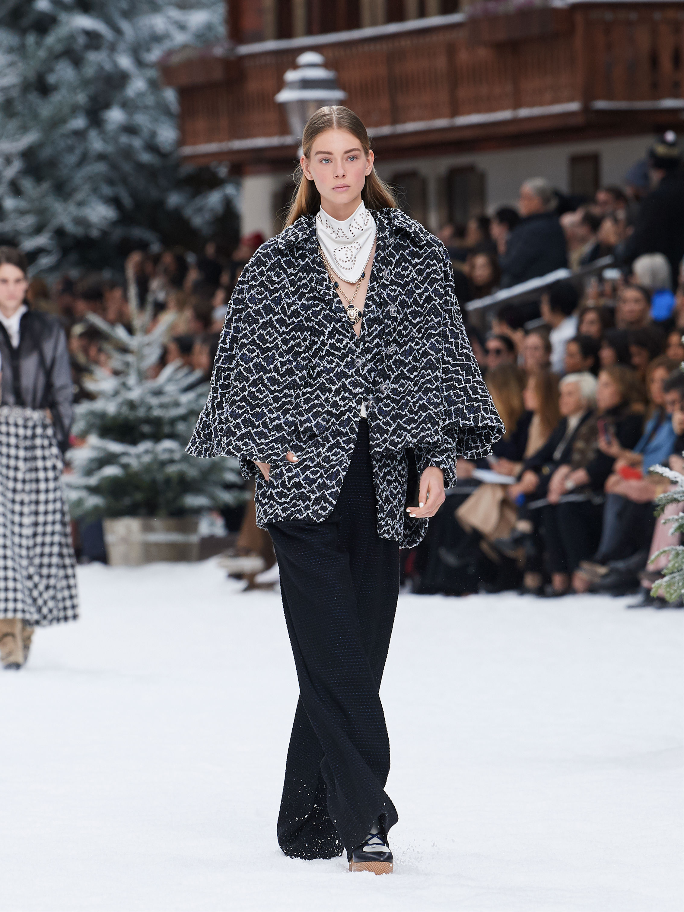 FALL-WINTER 201920 READY-TO-WEAR COLLECTION (7)