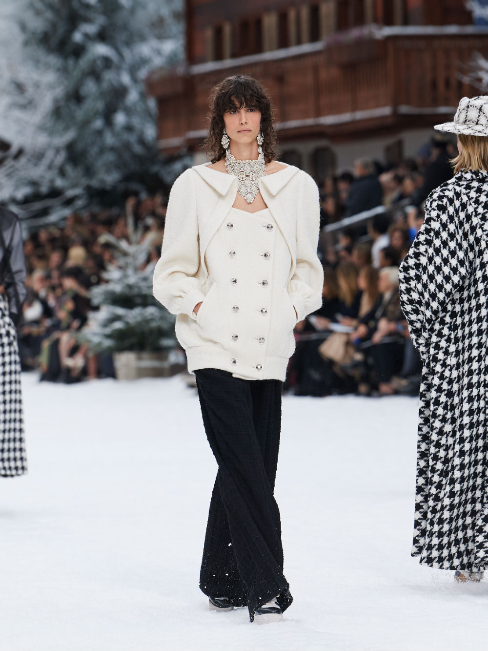 FALL-WINTER 201920 READY-TO-WEAR COLLECTION (8)