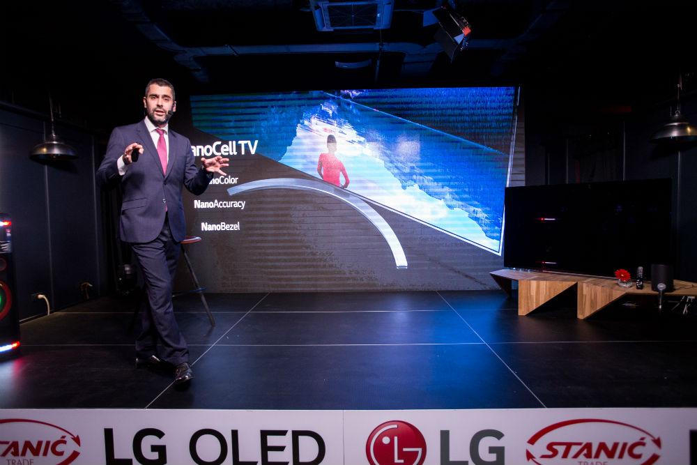 LG OLED Medeja (105)