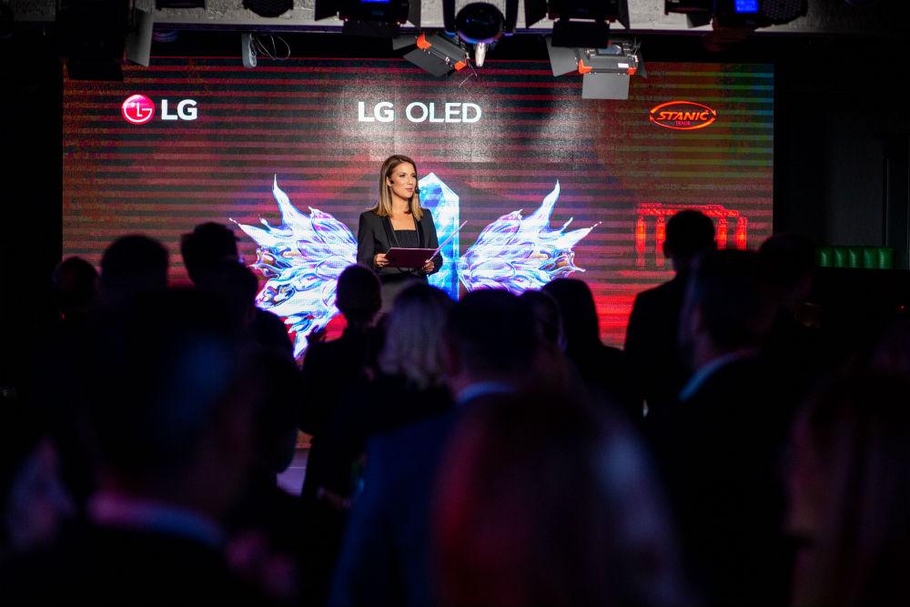 LG OLED Medeja (14)