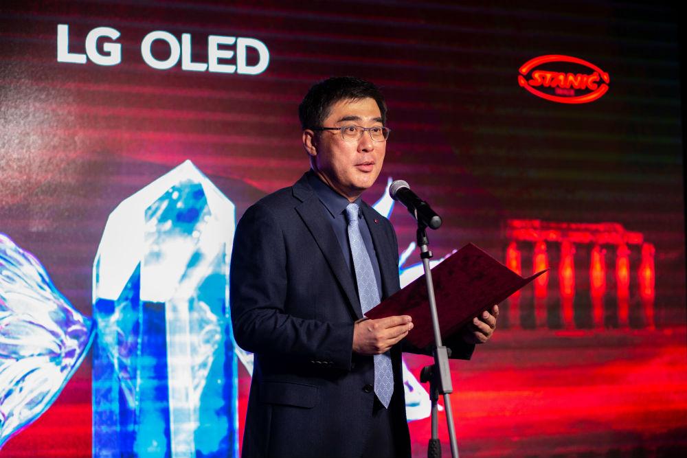 LG OLED Medeja (20)