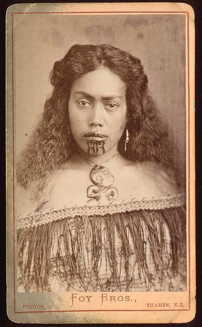žena sa moko tetovažom na licu, Novi Zeland, cc. 1872-86
