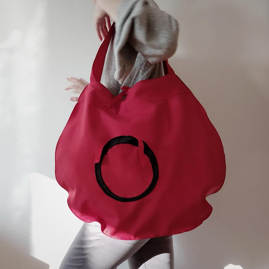 07 ATA crvena torba s crnim